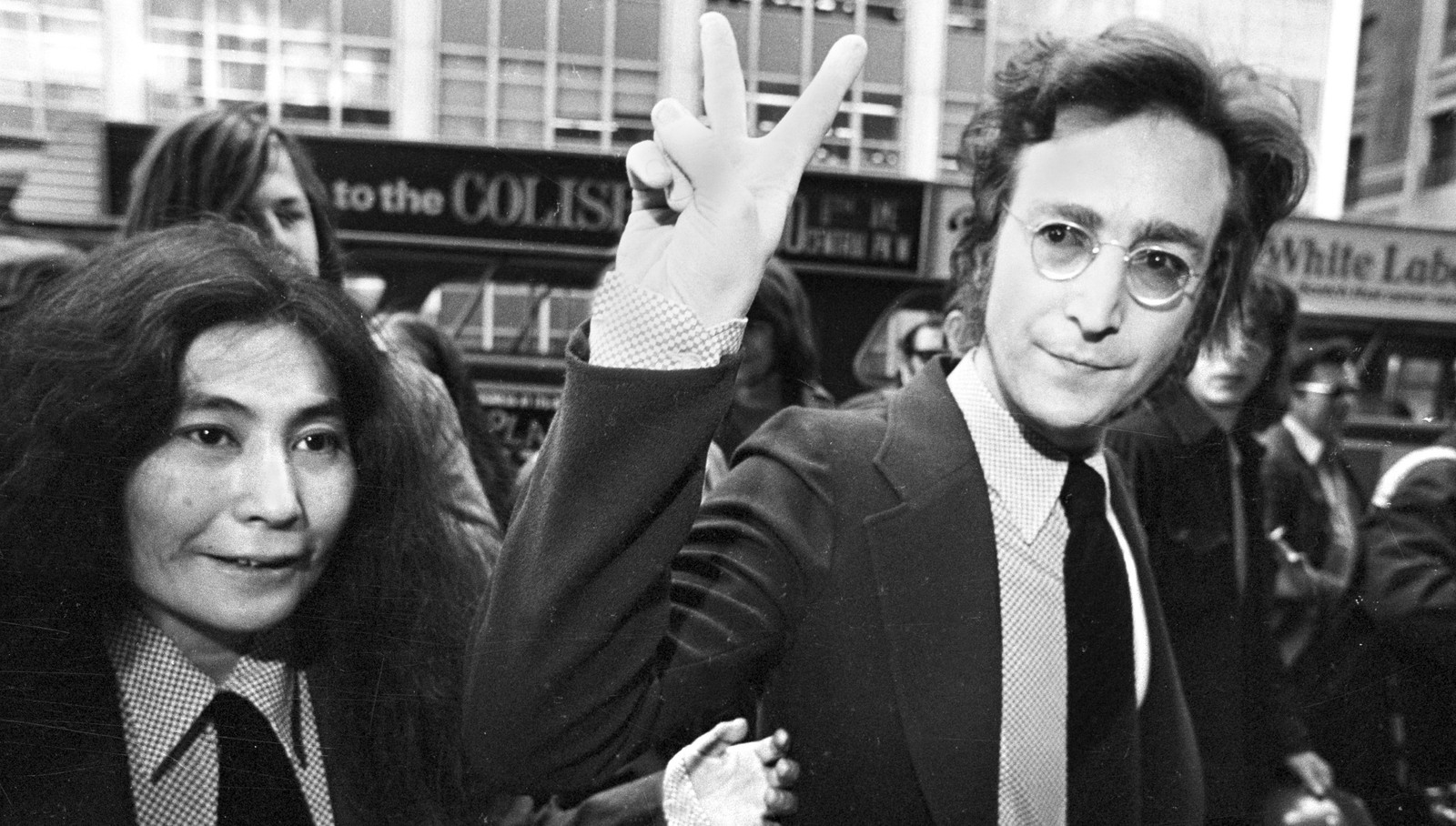 john lennon as an anti war activist John lennon: the last great anti-war activist 189 views view upvoters anonymous updated jan 12, 2017 when did people start to protest against the vietnam.