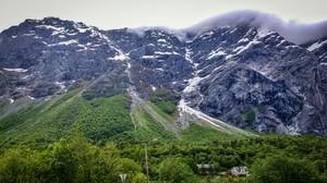 """Nå · NRK: Direkte fra """"Mannen"""" i Romsdalen"""