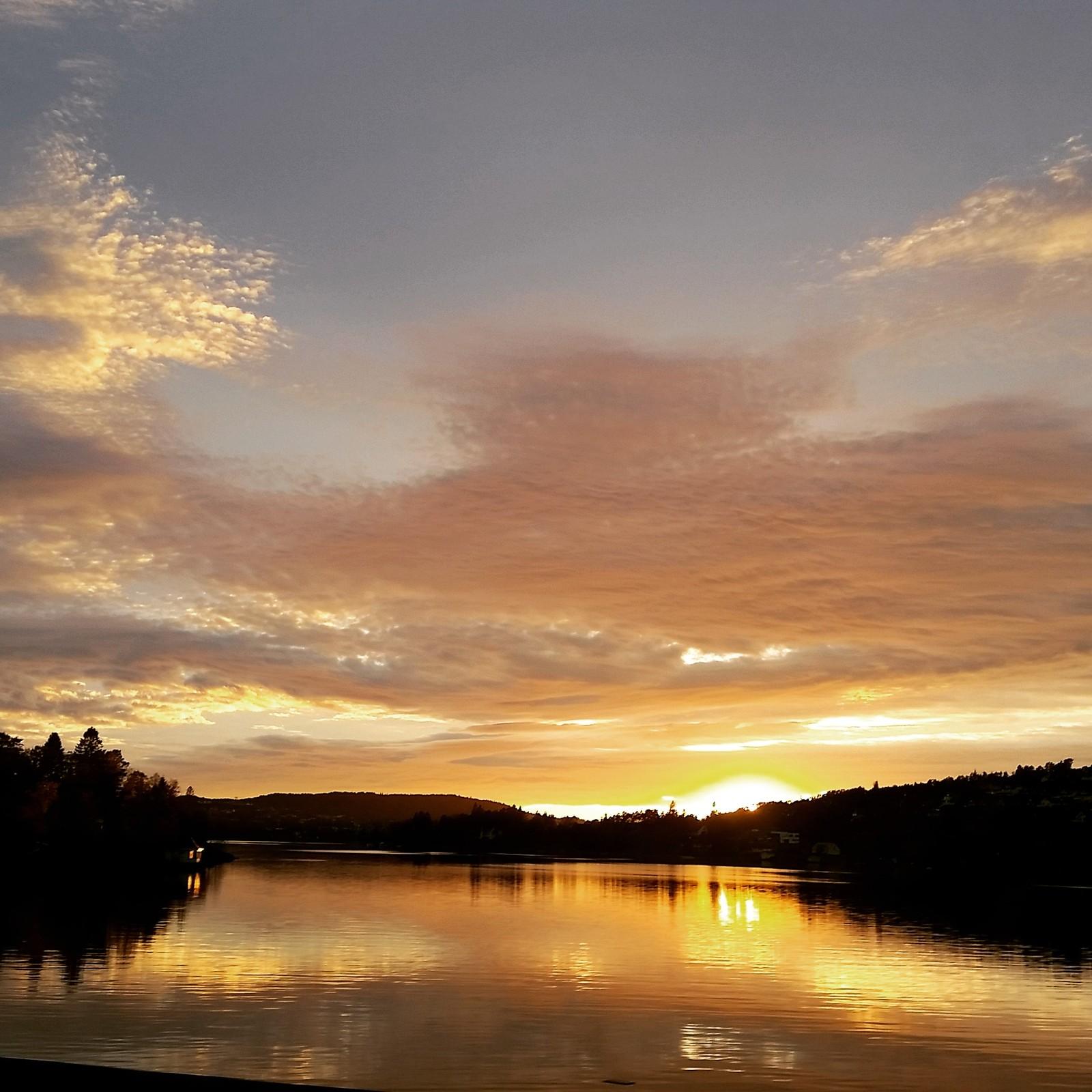 Nordåsvannet i Fana en søndag i oktober.