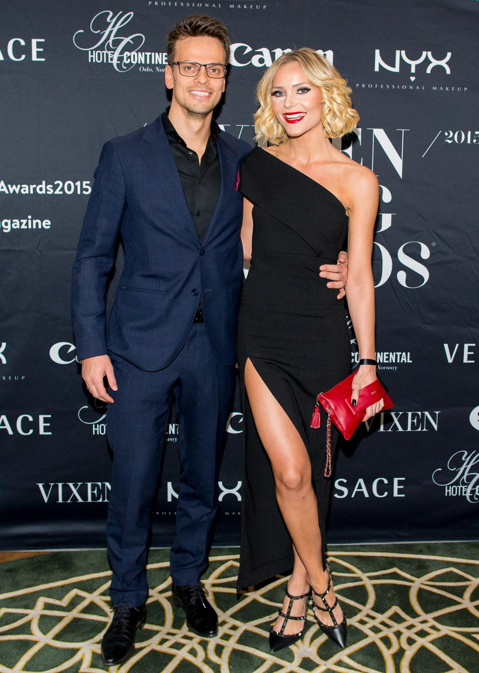 Caroline Berg Eriksen (Fotballfrue) og Lars Kristian Eriksen ankommer Vixen Blog Awards 2015 på Hotel Continental i Oslo fredag kveld.