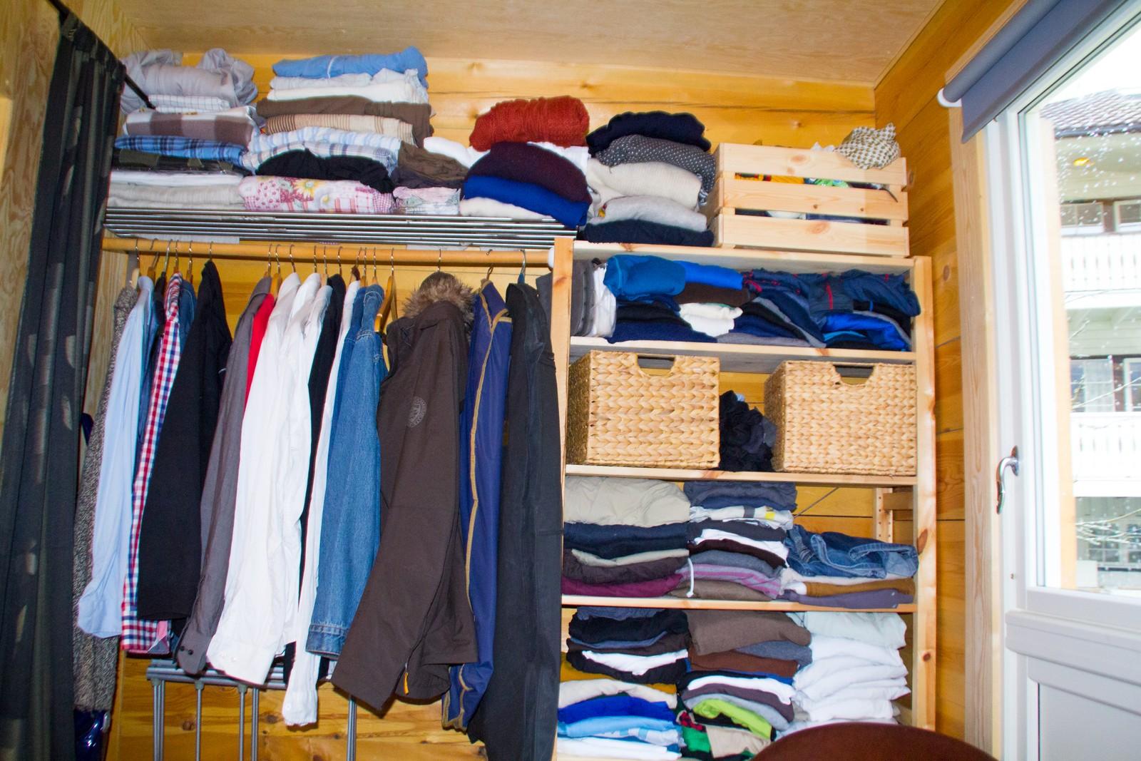 God organisering må til for å få plass til dei klea ein vil ha når du bur i minihus.