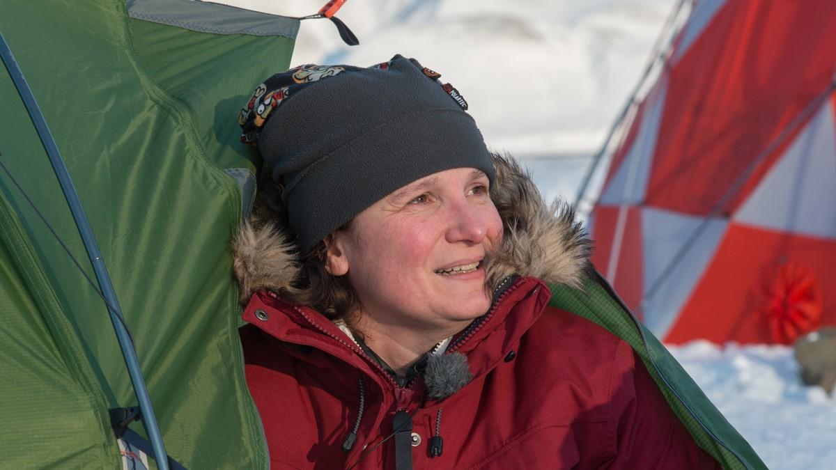 Dagmar nyter teltlivet i 20 minusgrader