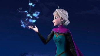 Elsa snødronningen med snøkrystaller dalende ned i hendene