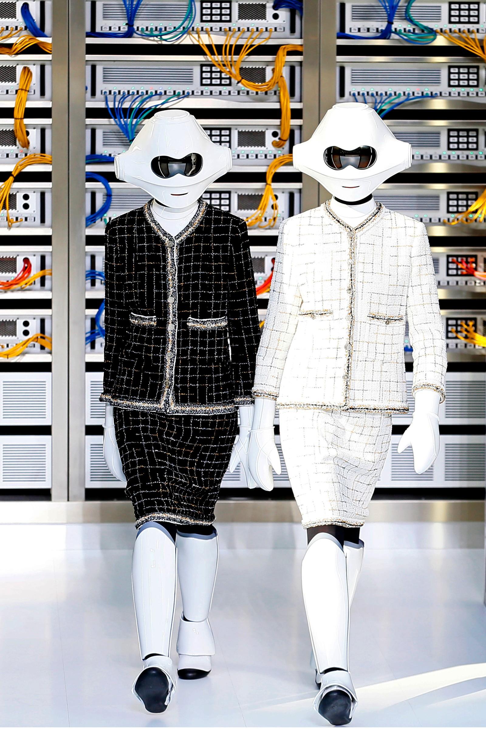 Dette skal vi ha på oss neste vår. Chanels sommer- og vårkolleksjon ble vist fram i Paris den 4. oktober.