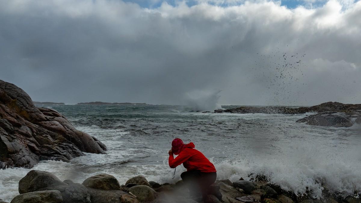 Her kjem uvêret inn over Sørlandet torsdag 24. september 2020.
