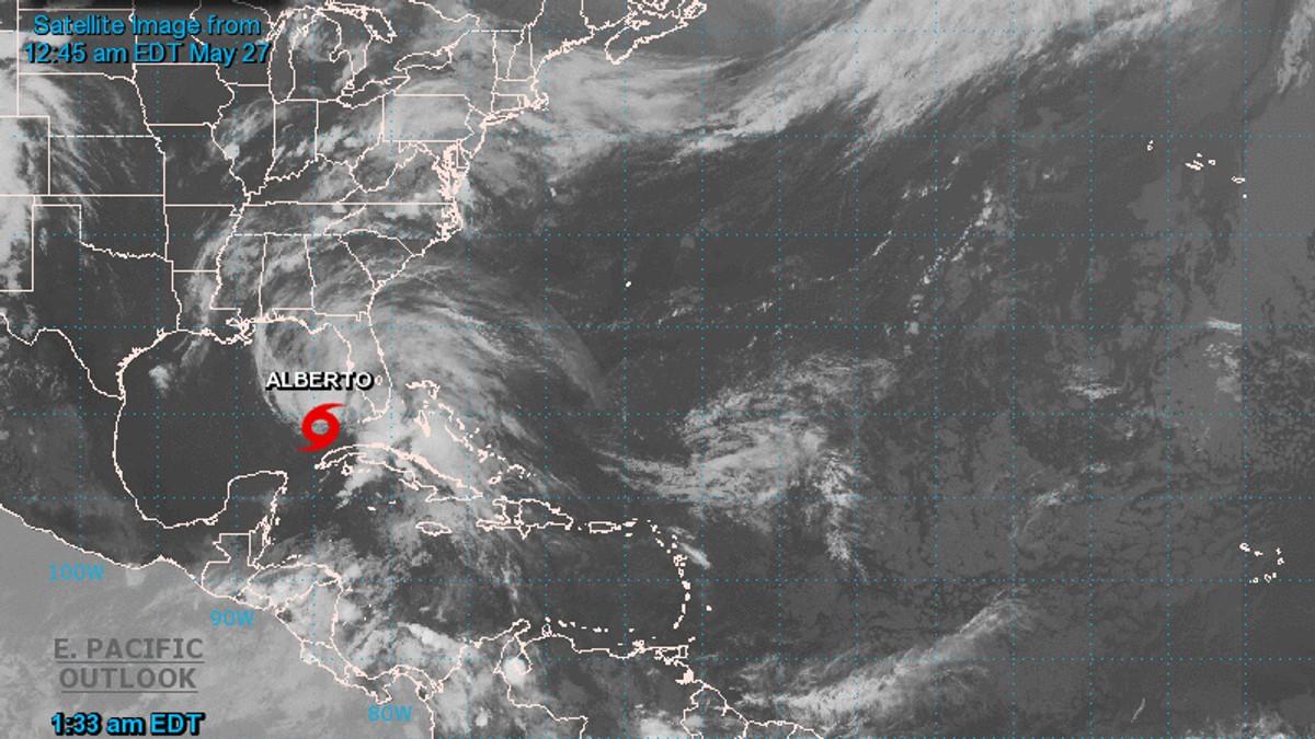 Sørøst-USA forbereder seg på årets første tropiske storm