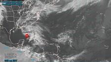 Senter for den tropiske stormen «Alberto» befant seg søndag morgen rett nord for Cuba.