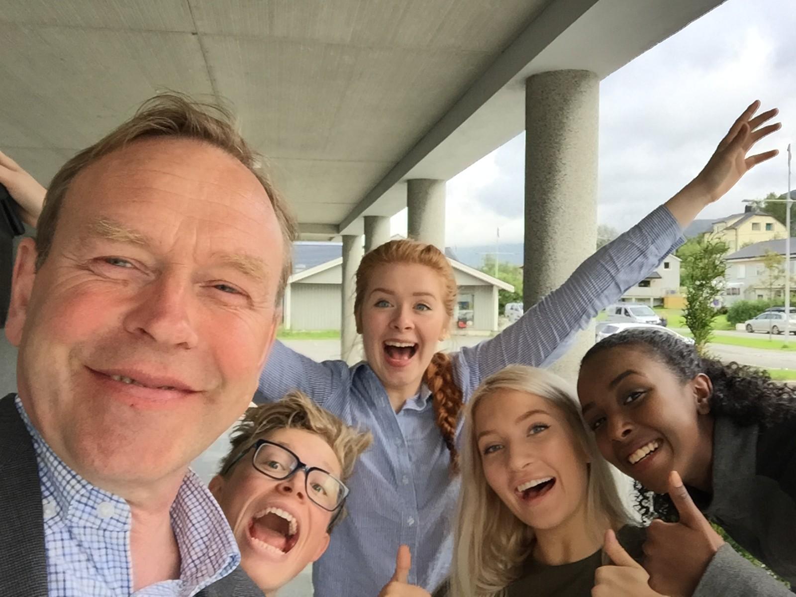 I den moderne kommunen Gildeskål stilte ordfører Petter Jørgen Pedersen(Ap) til en trivelig selfie!