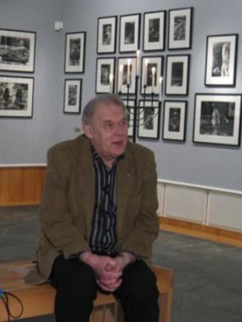 Arthur Arntzen i Galleri Espolin i Kabelvåg i Lofoten