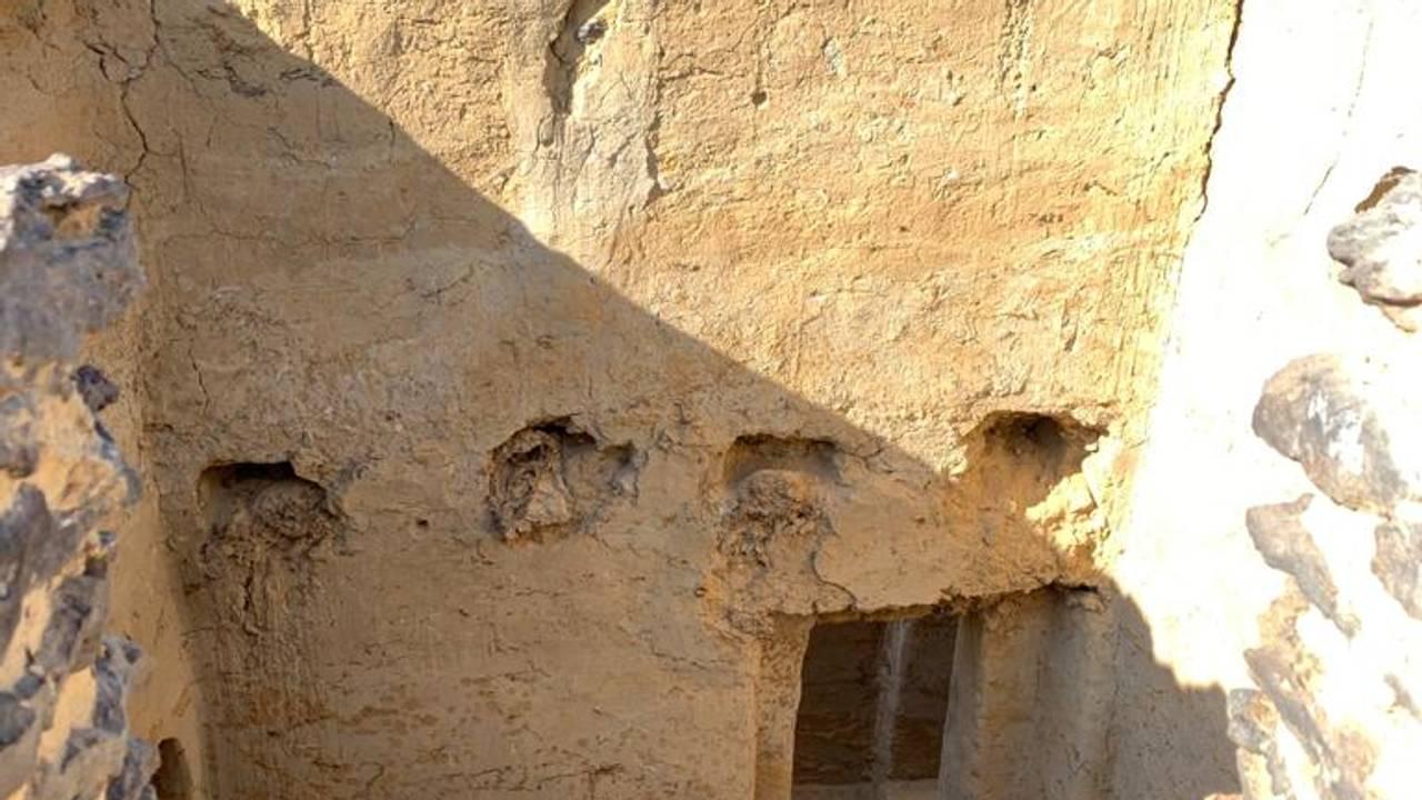 Verdens eldste, daterte kloster i Bahariya Oasis i Egypt