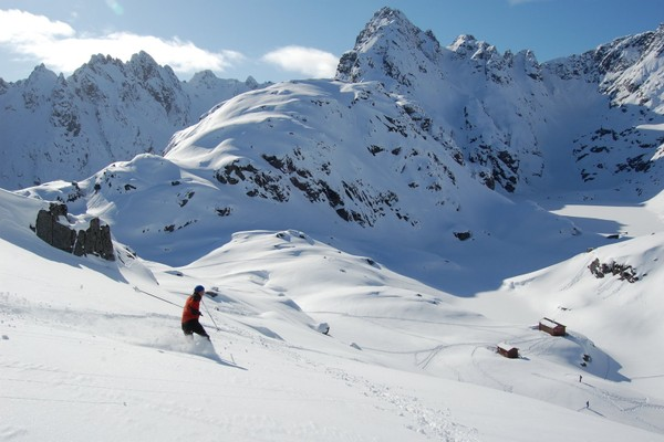 På vintertur til Trollfjordhytta - Foto: Trond Løkke
