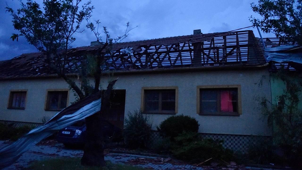 En tornado traff landsbyen Moravaska Nova Ves i Hodonin-distriktet 24. juni - 2021