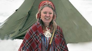 Samiske Kristin Sara i kofte.