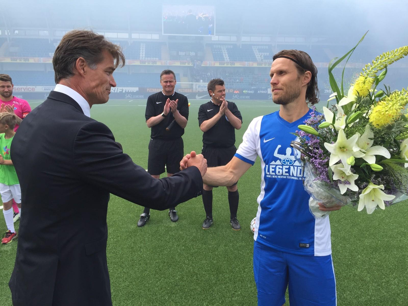 ÆRE: I går fortalte Daniel Berg Hestad at han ble litt brydd, men ser på det som en festdag som handler litt om seg selv men også en dag for hele klubben og alle de som støtter den.