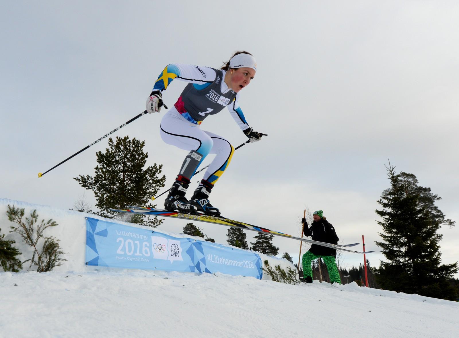 Gullmedaljevinner i langrennscross Moa Lundgren, Sverige.