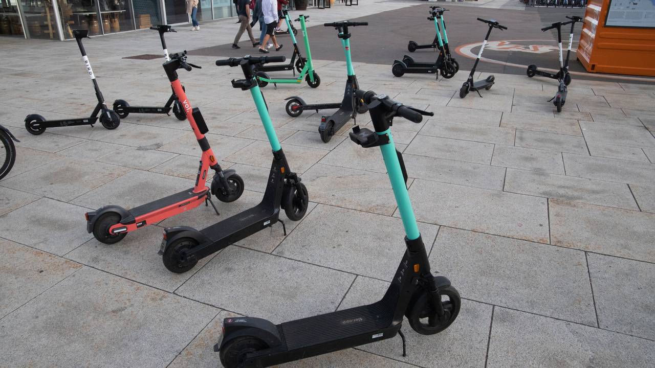 Elsparkesykler på Rådhusplassen