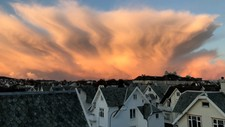 Denne flotte skyen ble fotografert i Stavanger søndag morgen. Skyen har et spesielt bølgemønster, som kommer av vindretningen.