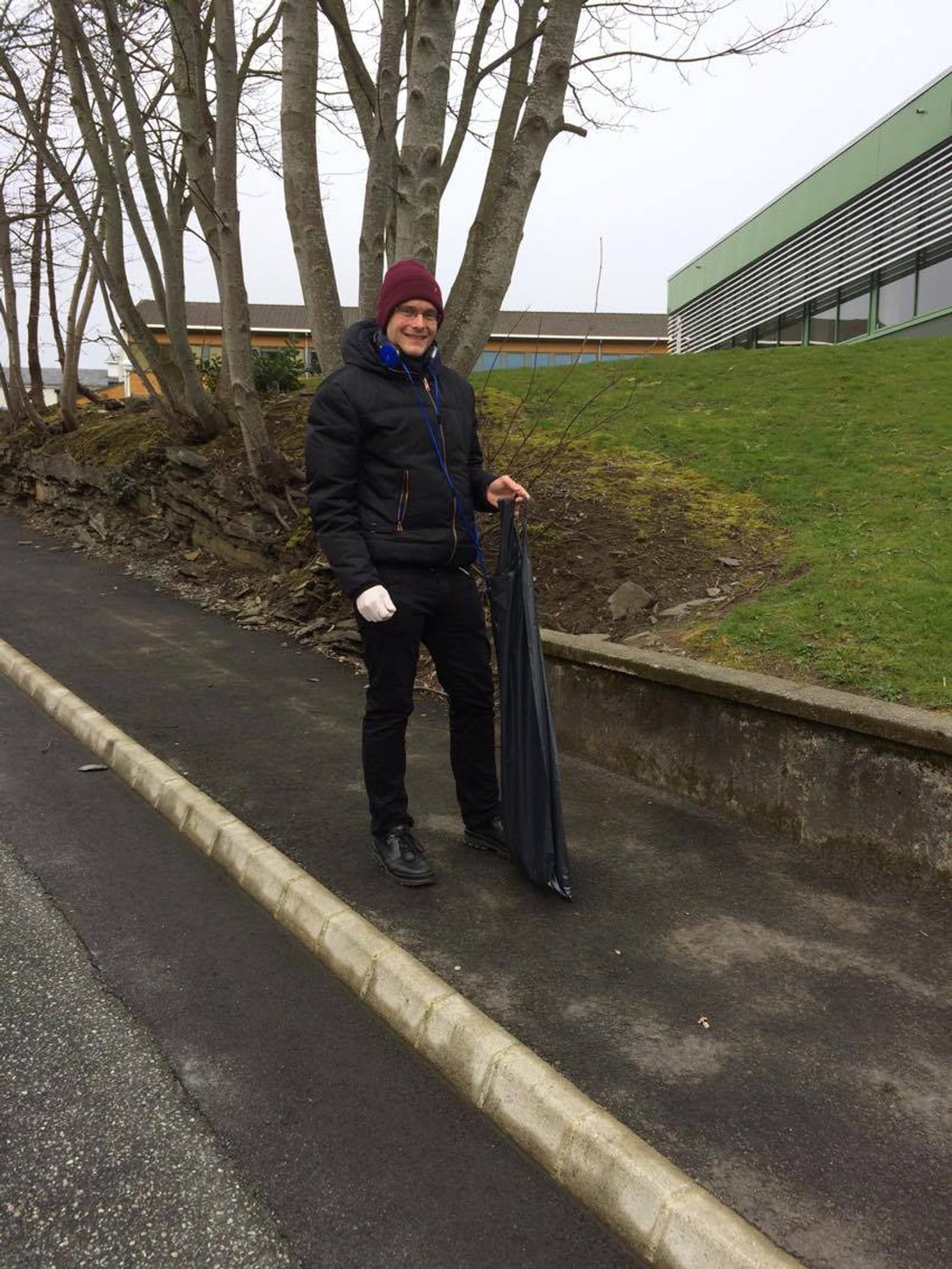 Kent Gunnar Stølen, lærer ved Rennesøy skule, i aksjon.