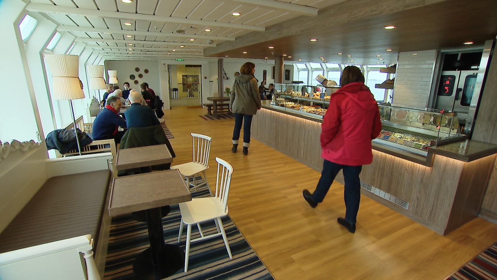 Multe bakeri, en populære kafé på hurtigruta «Kong Harald».
