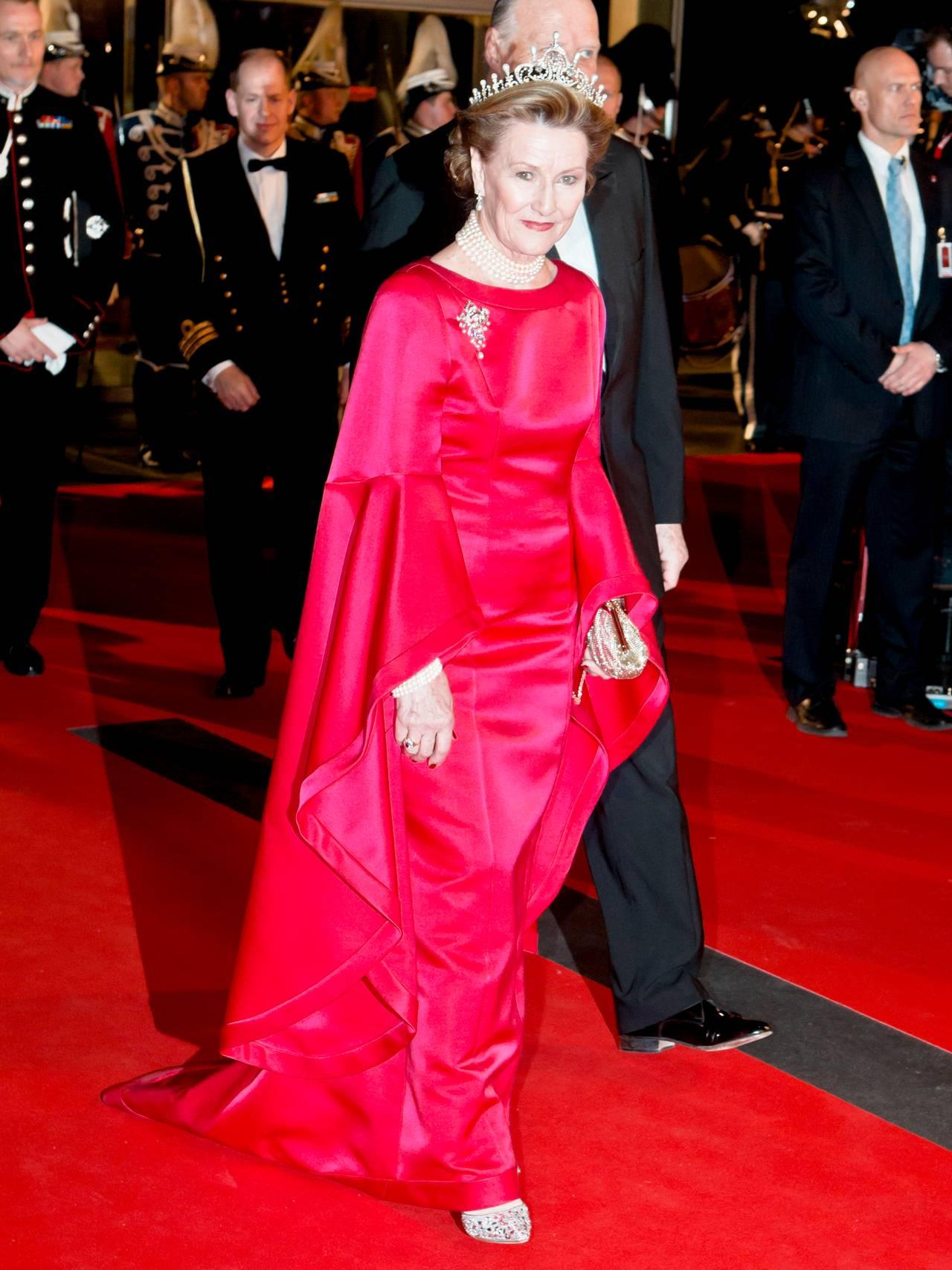 Dronning Sonja rosa kjole