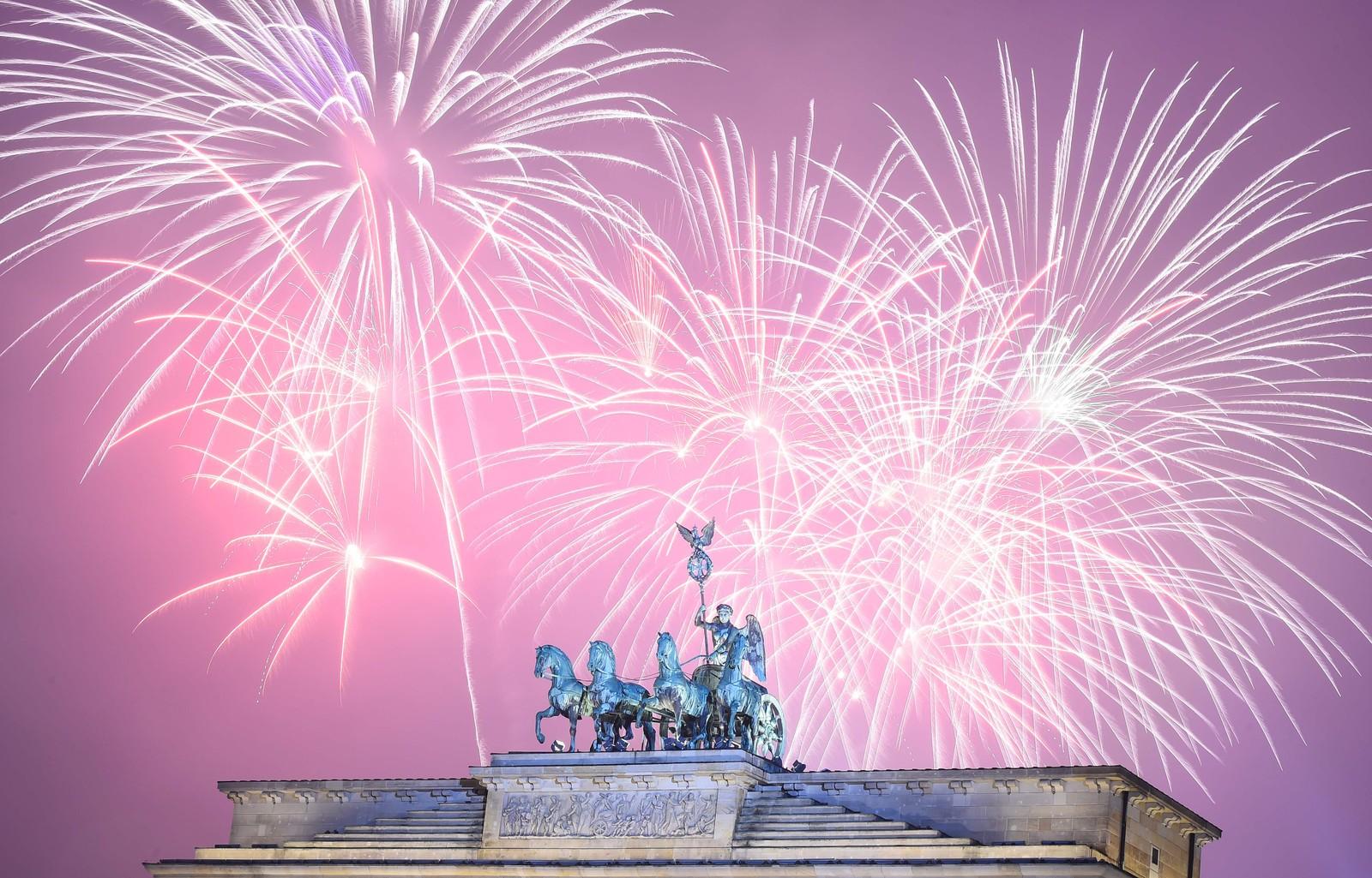 I Tysklands hovedstad Berlin ble den store feiringen holdt mellom Brandenburger Tor og Seierssøylen.