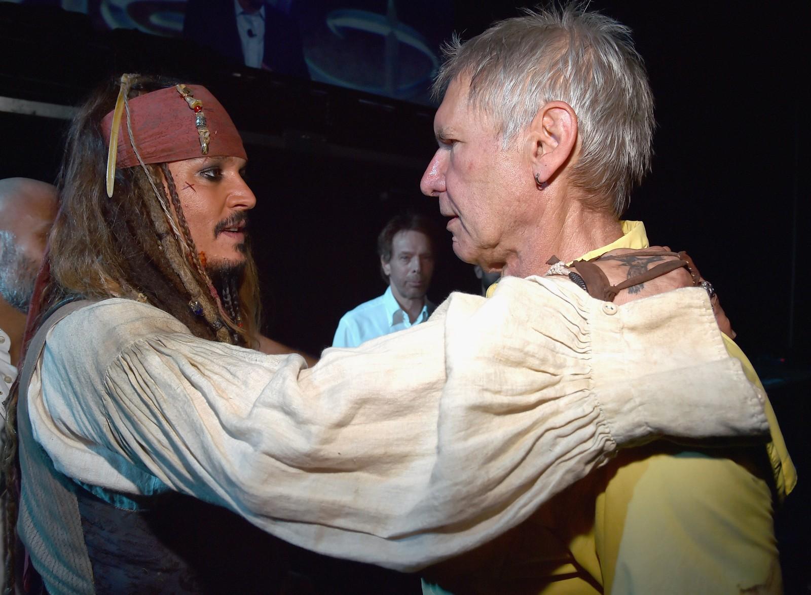 "Ai, ai, kaptein! Jack Sparrow (Johnny Depp) og Han Solo (Harrison Ford) deltok i Disney-arrangementet ""Worlds, Galaxies, and Universes: Live Action at The Walt Disney Studios"" denne uka."