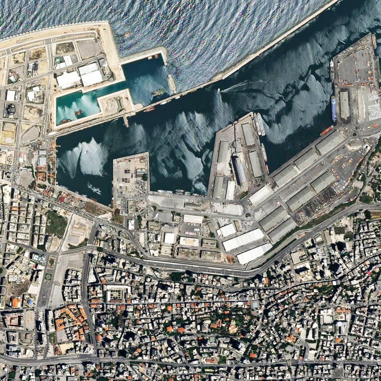 Satelittbilde av havnen i Beirut tatt 31. mai. 2020.