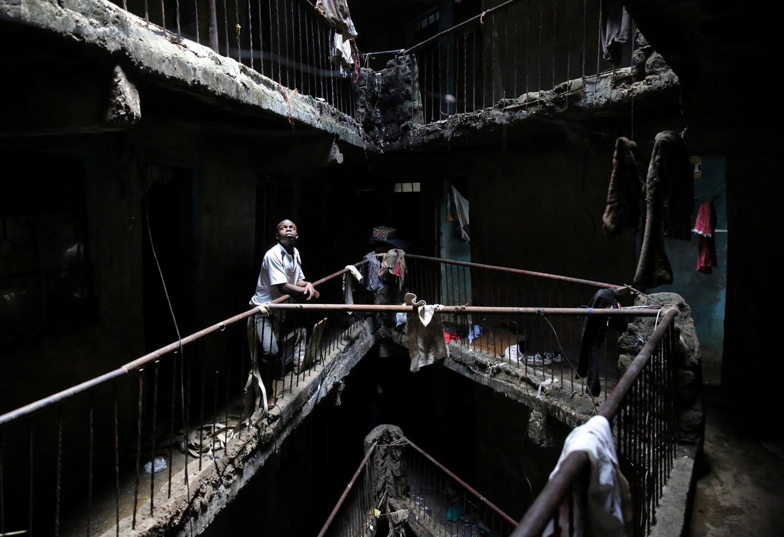 Etter at en bygningskollaps førte til at 51 mennesker mista livet, skal flere dårlig vedlikeholdte bygninger i Nairobi, Kenya rives. Dette er en av dem.