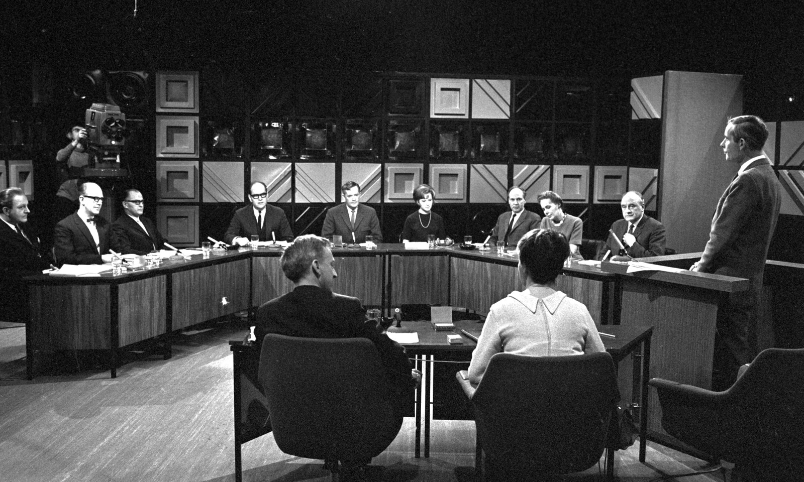 Omstridte program: Annen halvdel av 1960-tallet var stormfulle tider, både i NRK og for Kringkastingsrådet. Kjell Arnljot Wig og Åpen Post var blant gjengangerne i rådet.