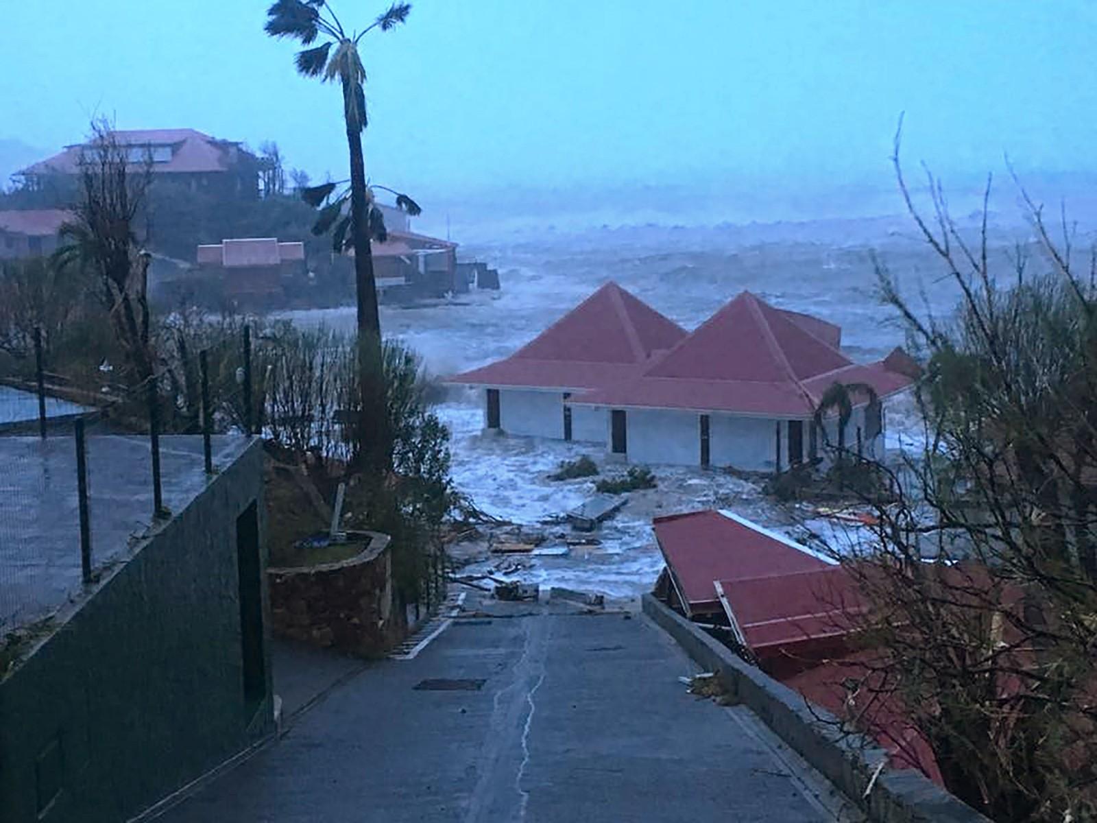 Oversvømmelser på øya Saint-Barthelemy.