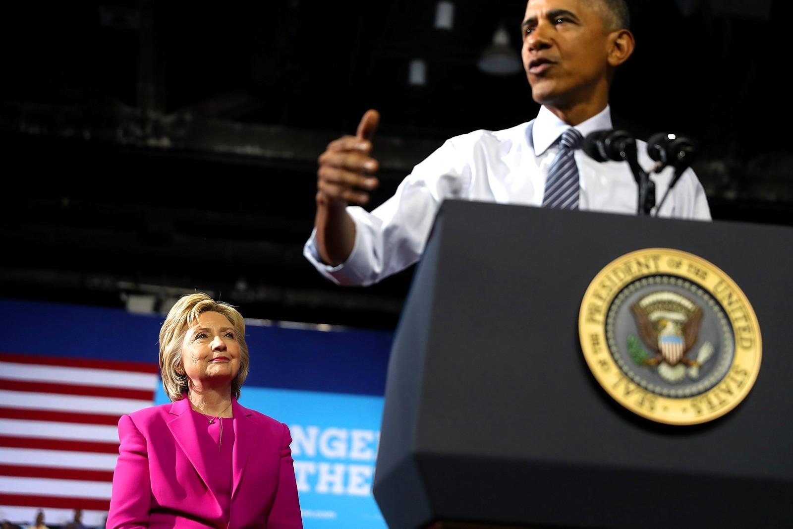 USAs president Barack Obama stilte den femte juli opp på et valgmøte i Charlotte i Nord-Carolina for å støtte Hillary Clintons presidentkandidatur. – Ingen har noensinne vært mer kvalifisert for presidentjobben enn Hillary, sa han til den jublende folkemengden.