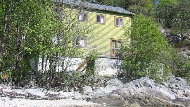 Funksjonærhytta i Frivika ved Klævoll. Foto: Ottar Starheim, NRK.