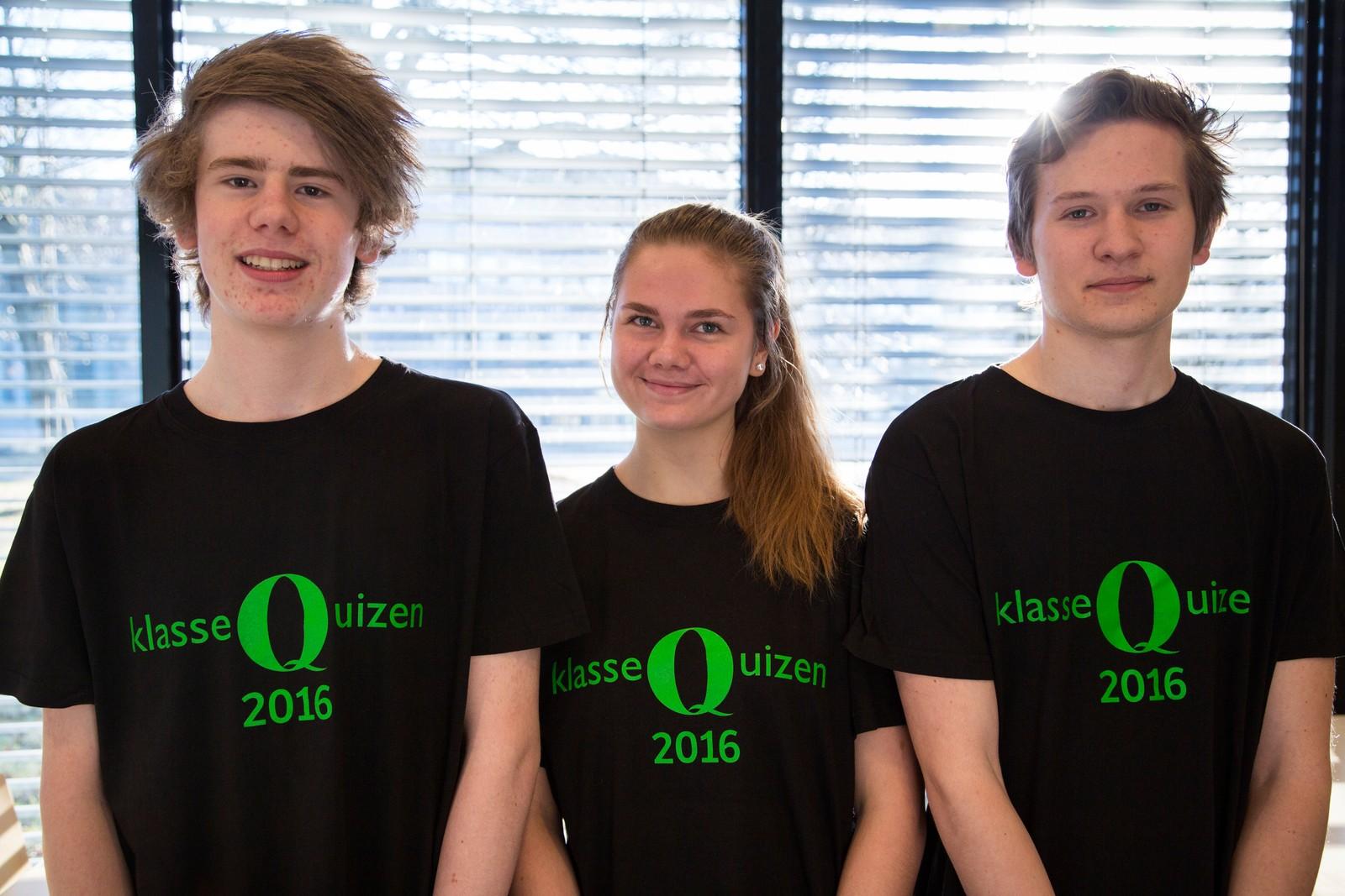 ÅTTE POENG: Simon Dreyer Vetter, Tara Olivia Bjørheim og Trym Rygg Tronerud fra Revheim skole i Stavanger.