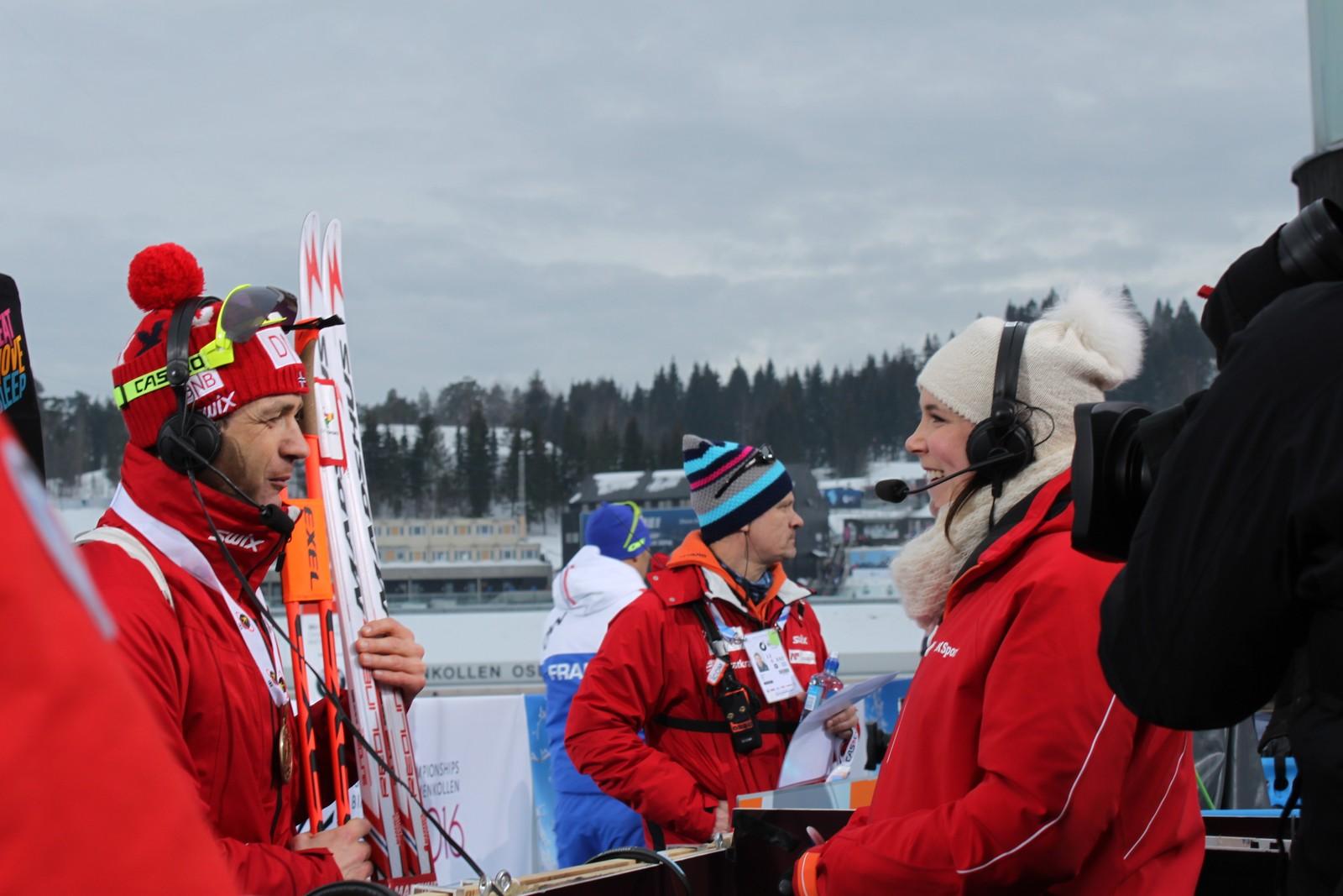 Bronze medallist Ole Einar Bjørndalen with NRK mixed zone anchor Ida Nysæter Rasch.