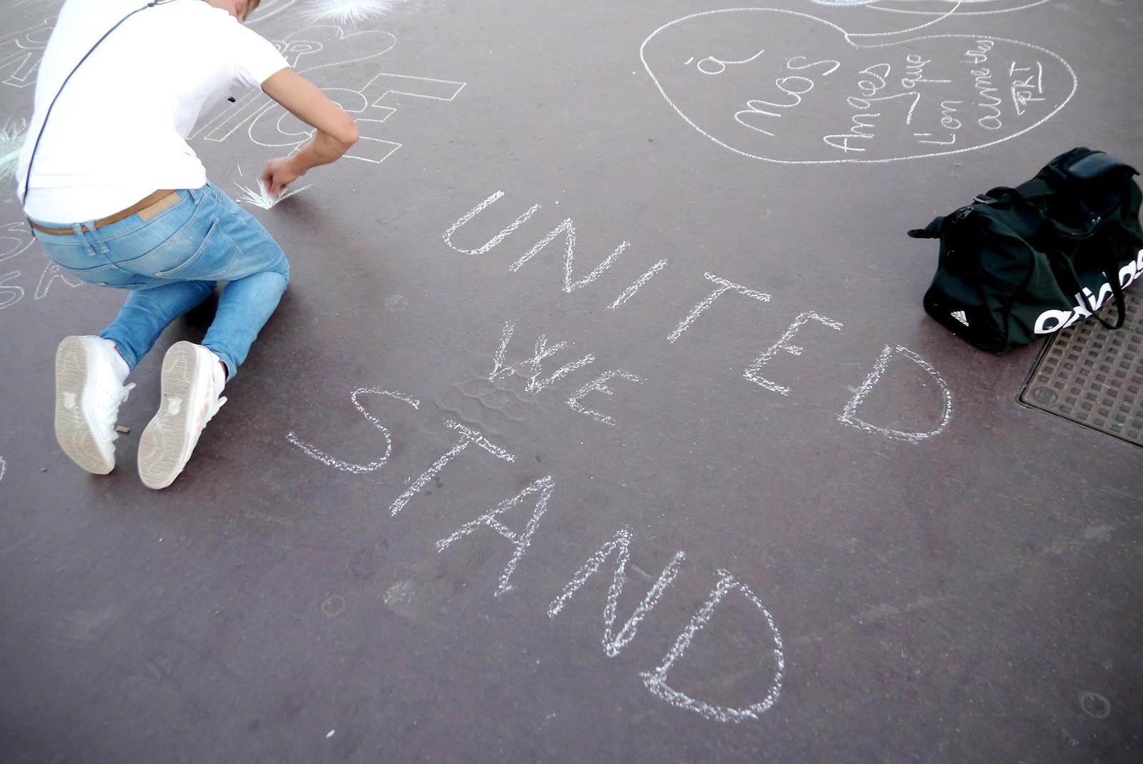 «Vi står samlet»