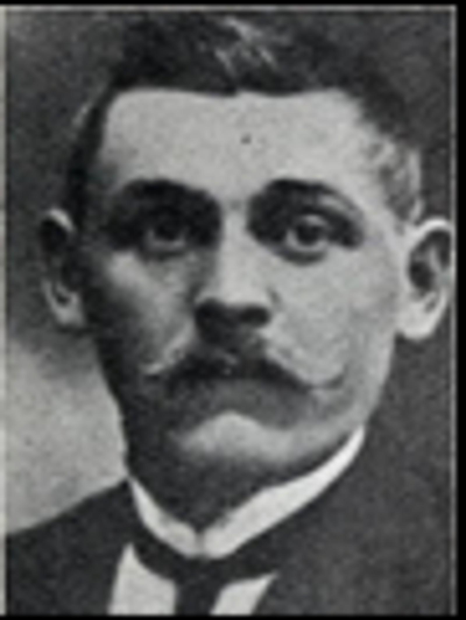 Karl Emil Andersen: Snekker, bodde på Bullgarien i Elverum. Omkom utenfor Glommen under bombeangrepet på Elverum 11.april 1940.
