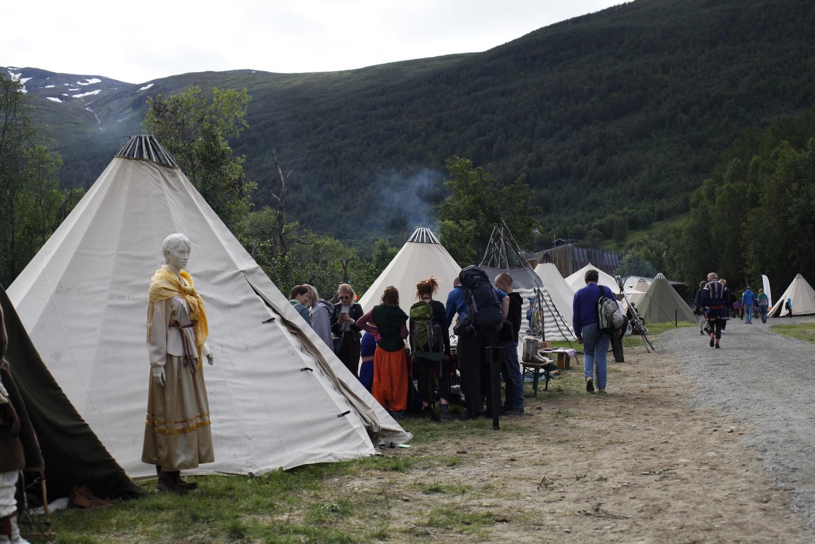 Under årets festival kan publikum treffe urfolk fra Sapmi, Russland, Taiwan og Grønland på Riddu Siida.