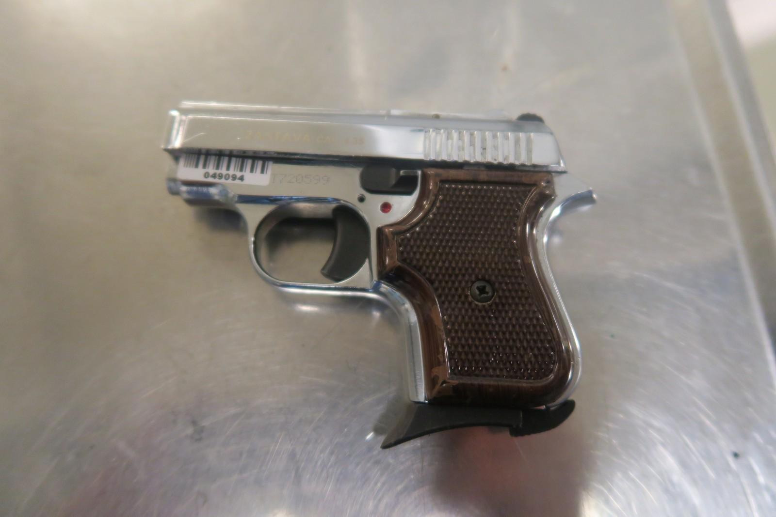 Ombygd: liten startpistol, borret opp og modifisert.