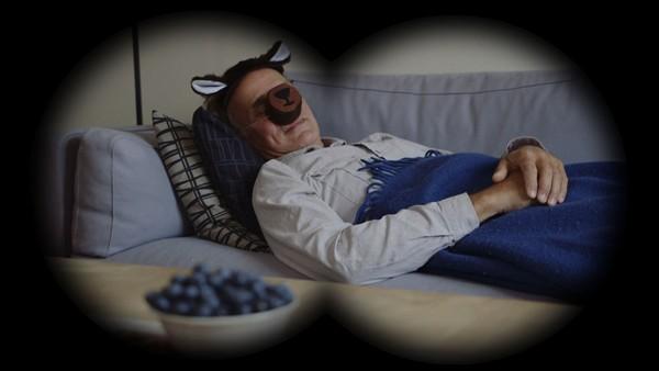 Norsk dramaserie. Bjørnen sover. Bestefar skal sove ettermiddagslur og Ruby må være stille. Det synes Ruby er kjempekjedelig!
