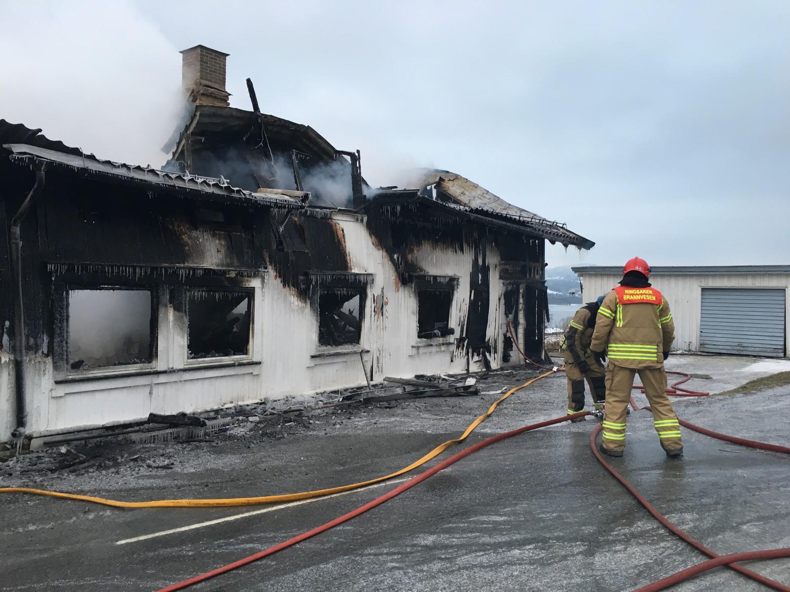 Brennmannskapene var sjanseløse mot flammene.