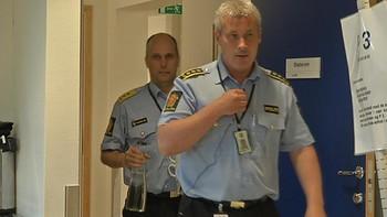Politisjefen var fungerende ordfører da han og resten av kommuneledelsen i Kvalsund sa nei til å sende en mistenkelig sak om en partikollega til Økokrim.