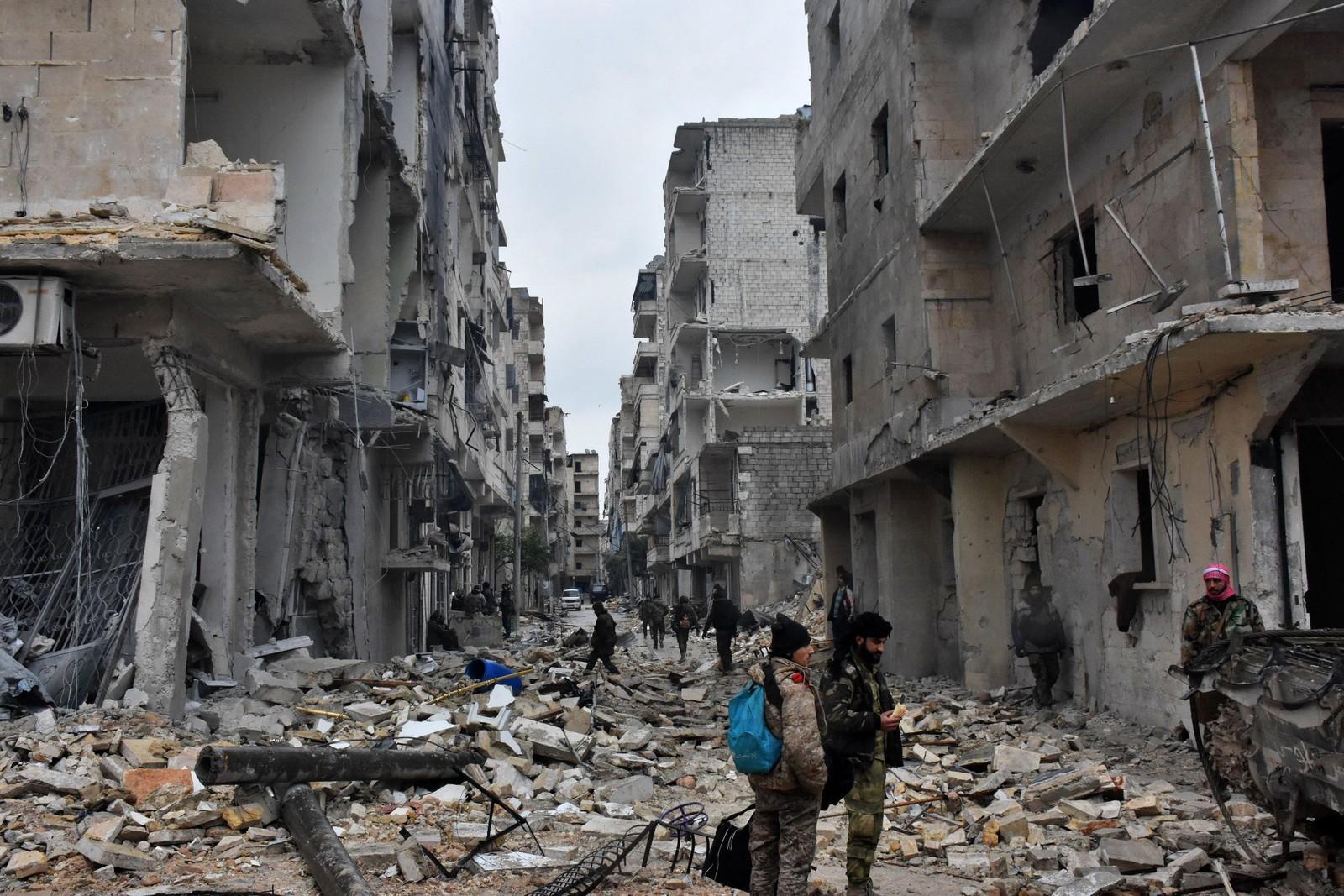 Bomber har ødelaget nabolaget Jisr al-Haj i Aleppo.