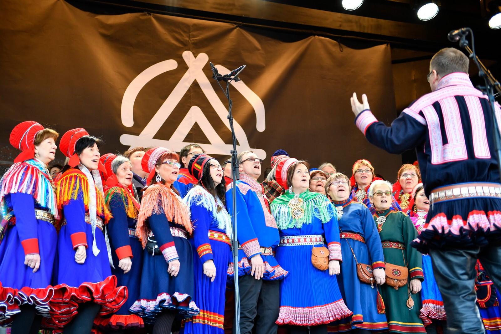 Jubileumsuken Tråante ble offisielt åpnet på Trondheim torg mandag formiddag.