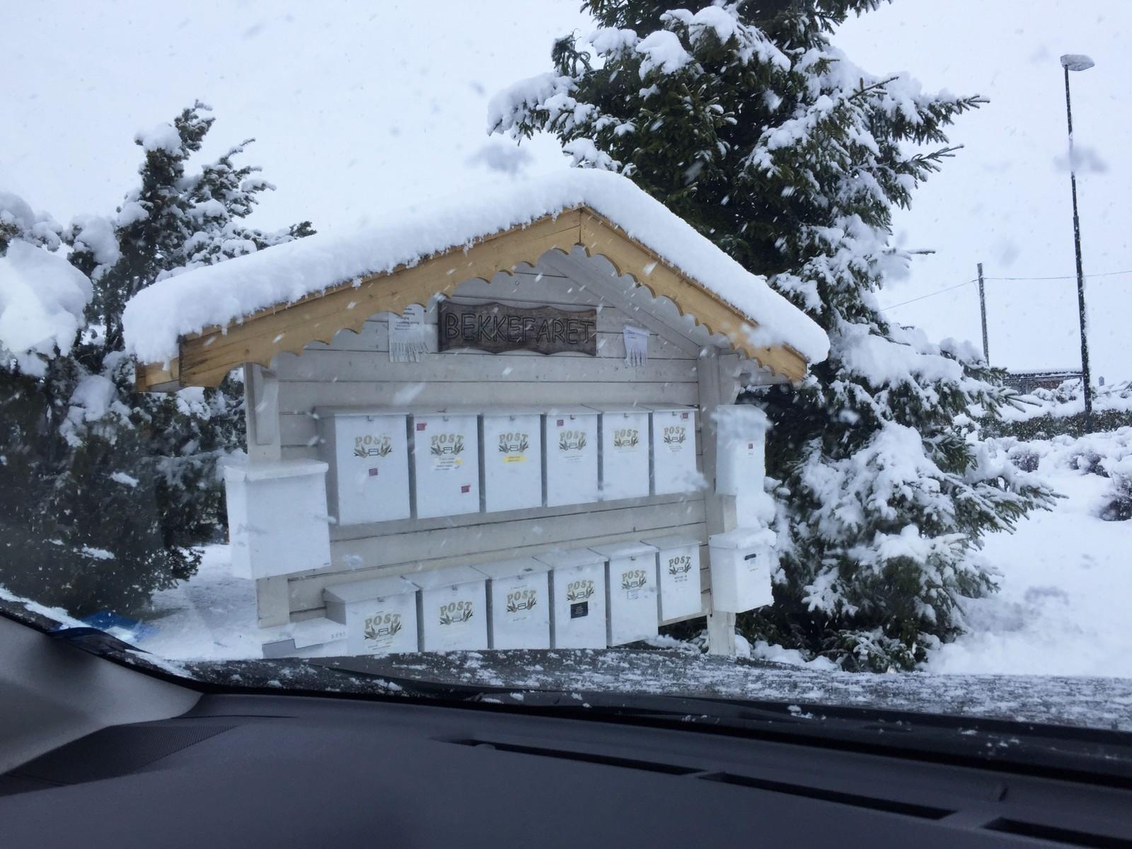 Snø i Bekkefaret på Jessheim.