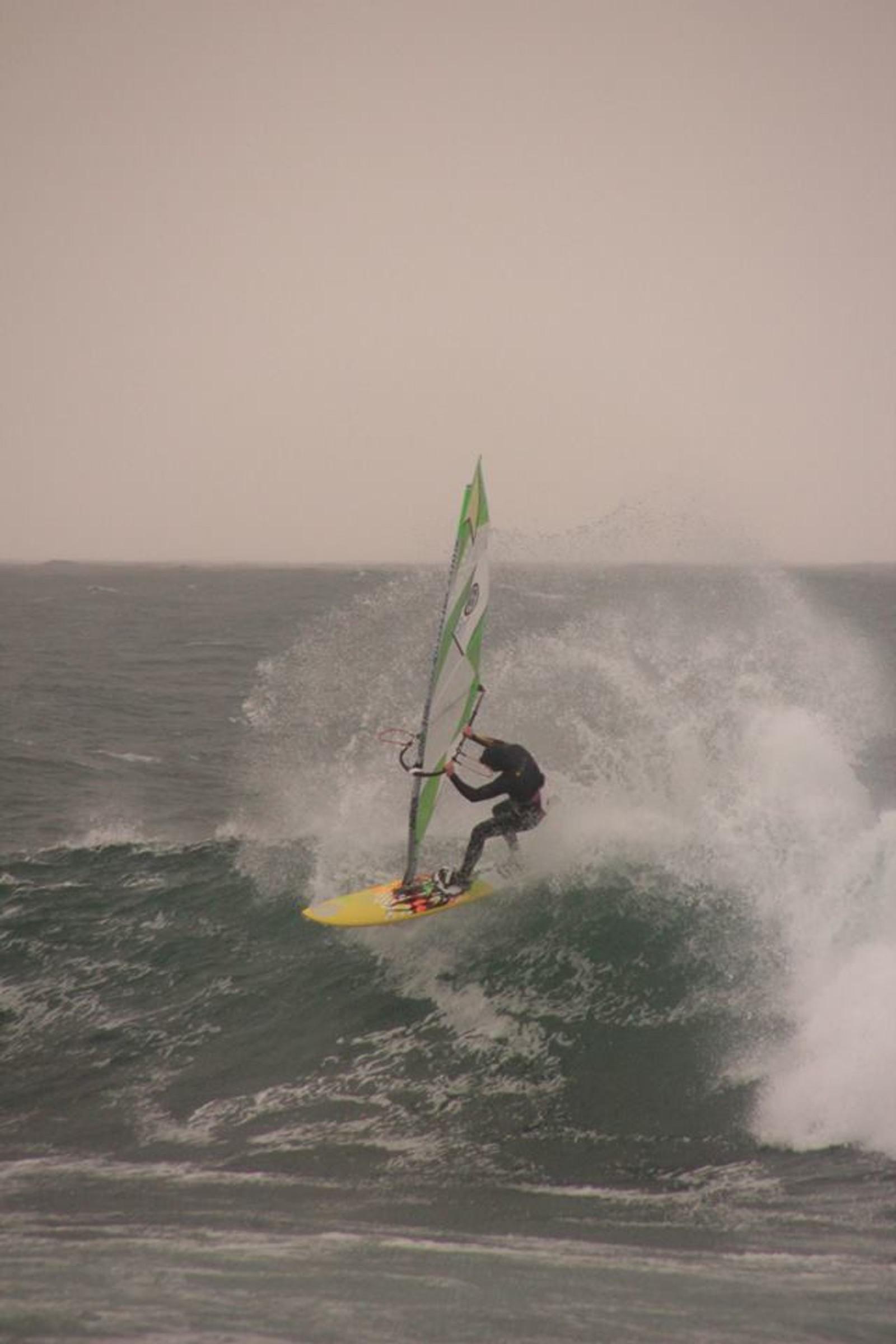 Per Christian Brodscöll mener flere områder på Lista er perfekt for surfesport.