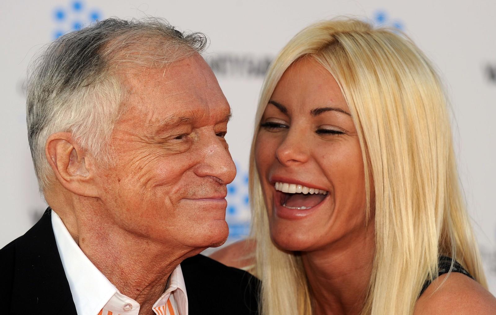 Hugh Hefner sammen med konen hans Crystal Harris.