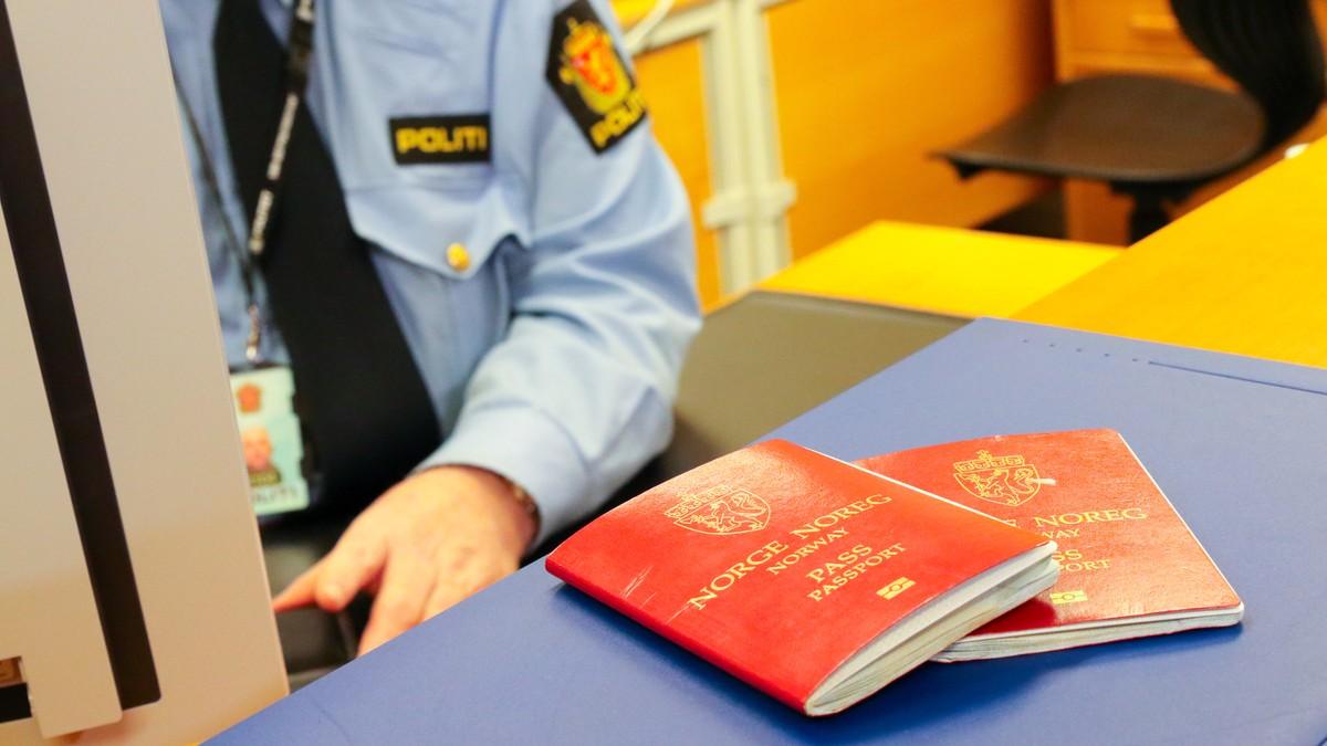e45fd073e Politiet i Kragerø: – Strømmer fra hele Østlandet for å få pass her ...
