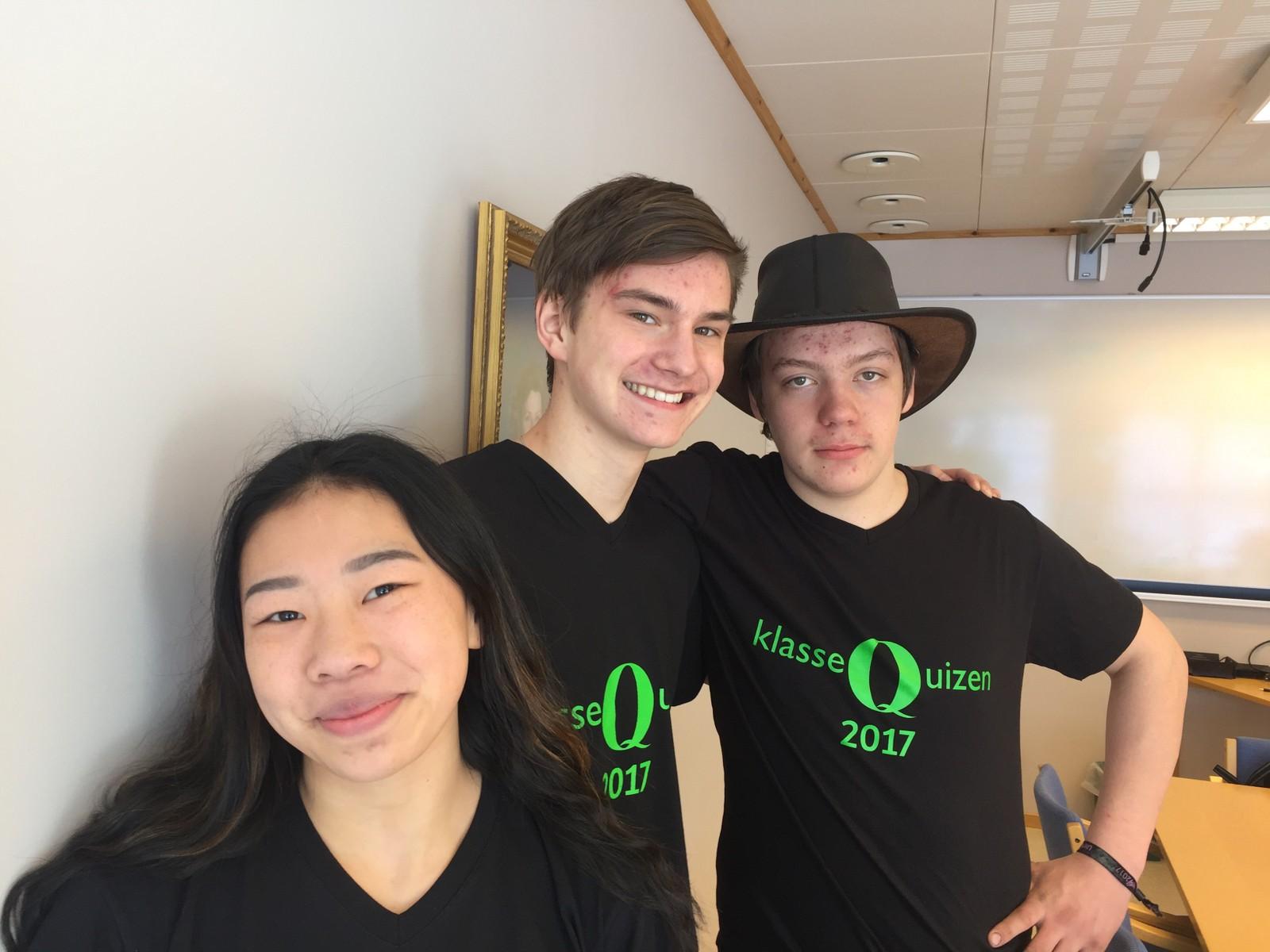 RØYRVIK OPPVEKSTSENTER: Fikk sju poeng i Klassequizen.  Fra venstre: Laila Louise Joma Rustad, Albert Haukø Devik og Fredrik Vatshaug Solli.