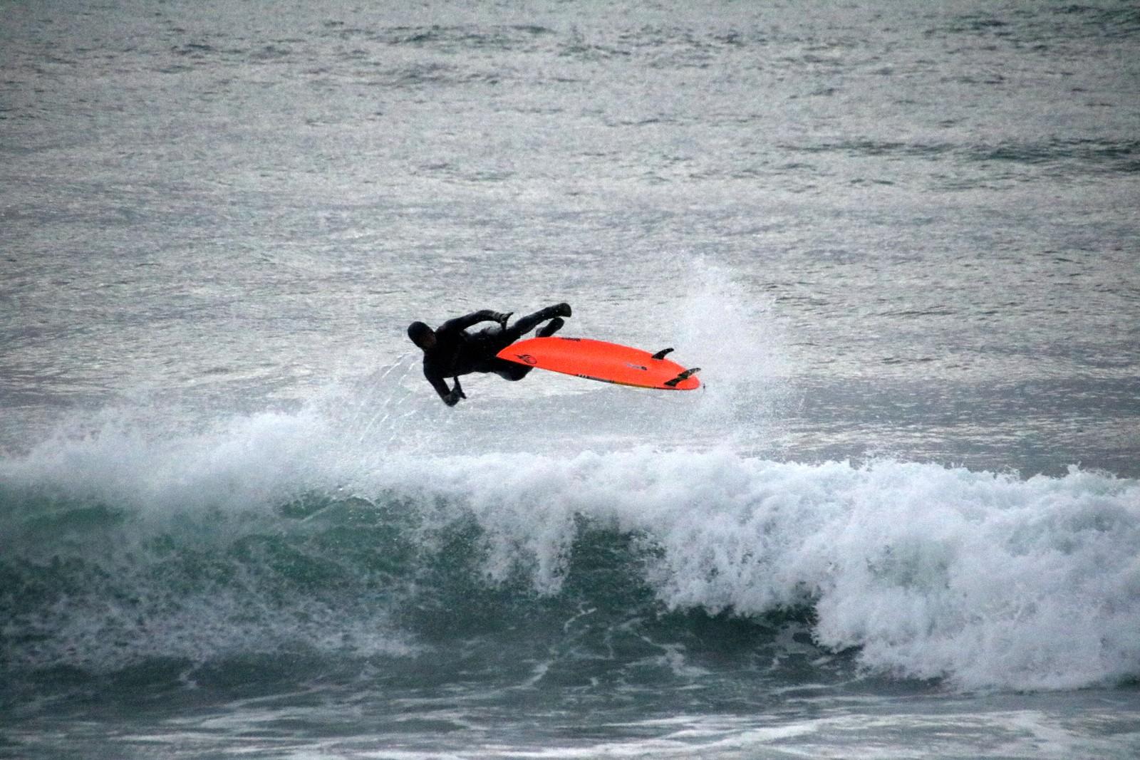 Surfing på Selestranda, Klepp.
