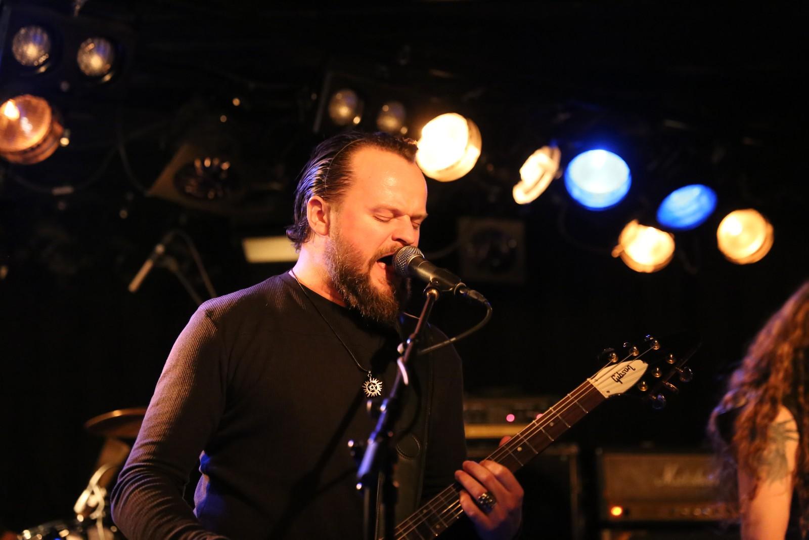 Olav Iversen er vokalist i Sahg. Han meiner Garage er ein unik plass i verdssamanheng.